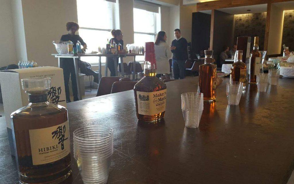 Bottoms-up-bartending013