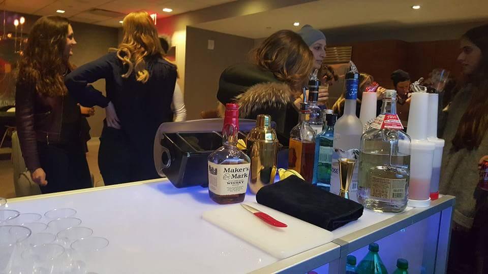 Bottoms-up-bartending017