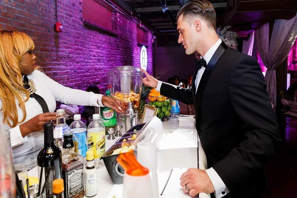 Bottoms-up-bartending024